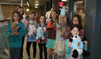 Make your own teddy clothes. Fashion workshop for kids