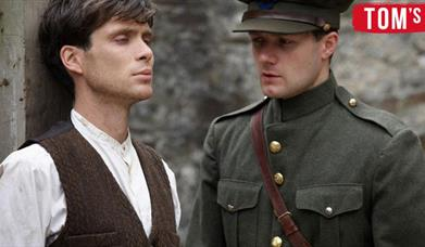 Cillian Murphy as Damien O'Donovan and Pádraic Delaney as Teddy